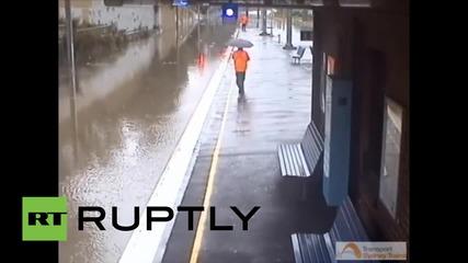 Австралия: наводняването на железопътната линия в Сидни