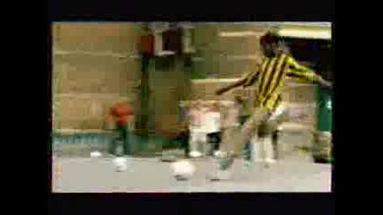 Реклама - Adidas - Soccer At Streets