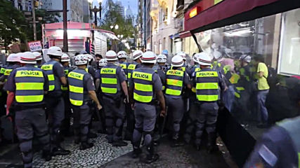 Brazil: Clashes break out at protest against transport fare increase