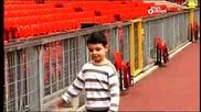 Мечтата На Едно Дете Се Сбъдва - Да Посети Олд Трафорд И Да Задава Въпроси На Роналдо!