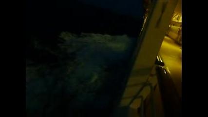 Нощно плаване