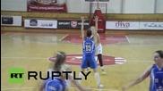 Serbia: Basketballer who had leg amputated makes triumphant return