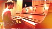Justin Bieber пее песен на Ryan Beatty - Every Little Thing