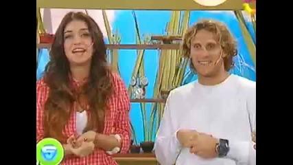 И Диего Форлан е като Касияс и той целува приятелката си в ефир