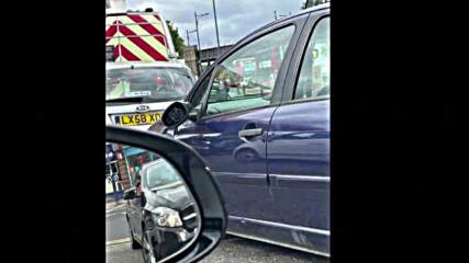 Схватка между шофьори на опашка за гориво във Великобритания