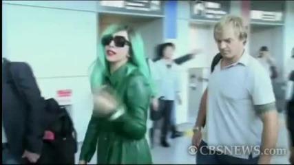 Лейди Гага облечена в зелено(в подкрепа на околната среда в Япония)