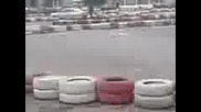 Drift S Avtomobil Na Karting Pista
