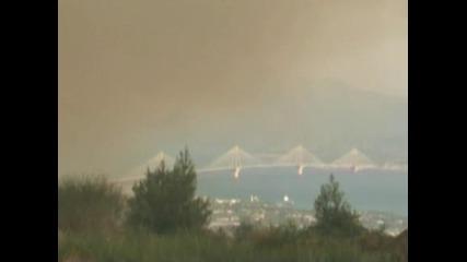 Горски пожари бушуват в района около Патра, обявено е извънредно положение