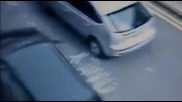 в Англия кола влачи 1км пешеходец