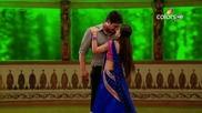 Ананди и Шив танцуват