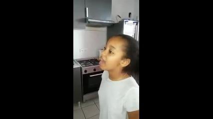 Даровито дете с прекрасен глас!