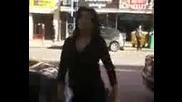 луда гангста лелка пред съдебната София 01.11.2010