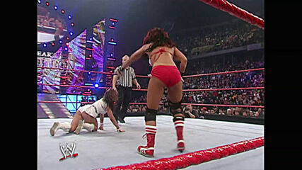 Mickie James vs. Victoria – WWE Women's Title Match: WWE New Year's Revolution 2007 (Full Match)