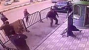 Полицаи хванаха дете, докато пада от третия етаж