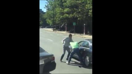 Как американски шофьори разрешават спор на пътя?