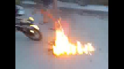 Hayabusa 1600cc се запалва при Burnout