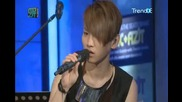 [100814 The Muzit Full 2 9] Shinee - Talk about favorite music and Solo live ( Taem playing piano)