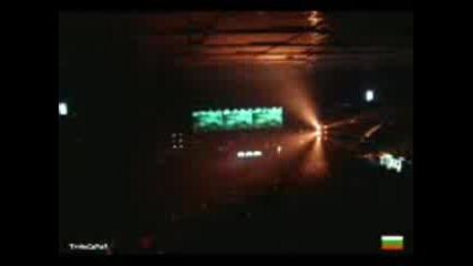Tiesto - Love Comes Again - Live