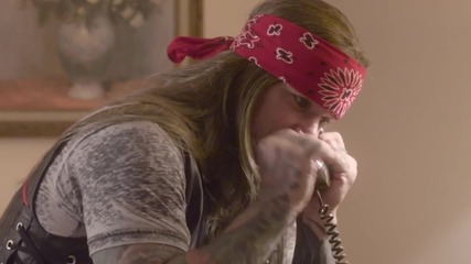 Steel Panther - The Burden of Being Wonderful ( Live from Lexxi's Mom's Garage)
