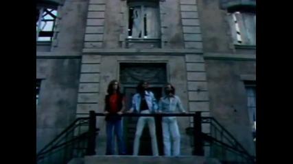 Bee Gees - Stayinn alive