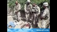 Войници На Сащ Уринират Върху Труповете На Талибани