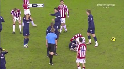 Ужасяващи кадри !!! Счупиха Крака на Аарън Рамзи в мача Сток Сити - Арсенал