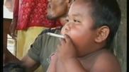 Пълен родителски провал..той е само на две годинки, а пуши по 40 цигари на ден..