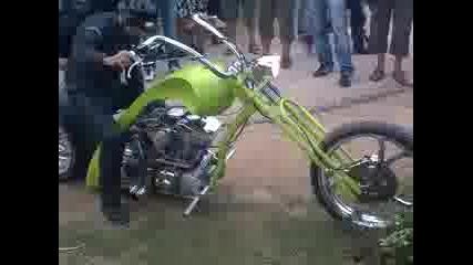Един от най - готините мотори на Мото Рок Събора във В.търново 2010