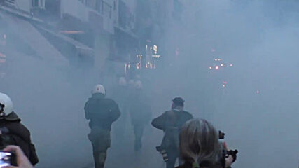 Greece: Water cannon used at Athens protest in support of jailed far-left convict Koufontinas