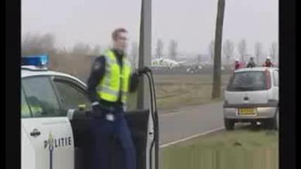 Турски Самолет Катастрофира В Амстердам