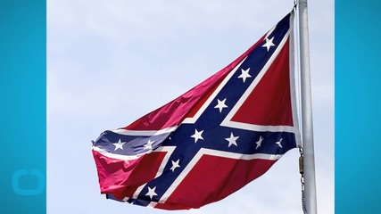 Confederate Flags Welcome President Obama at Oklahoma Hotel