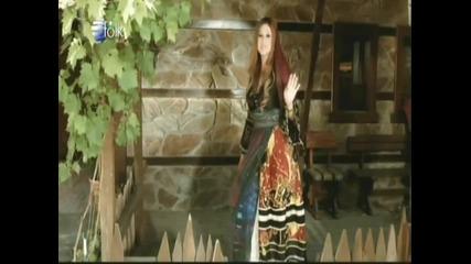 Поли Паскова - Една самотница - На порти седи Радина майка