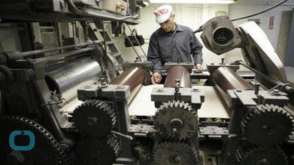 U.S. Industrial Output Falls for Fifth Straight Month