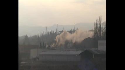 Взривяване на 60 метровия комин в Сандански 26.02.2011