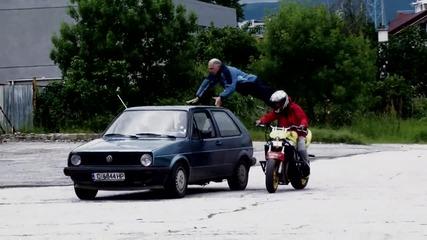 Каскадьорска тренировка с коли