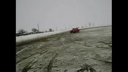 Москвич 2140 - Малко Пързаляне На Сняг 3