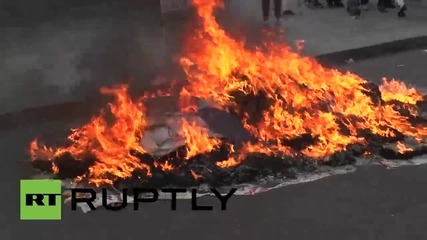 Mexico: Fiery clashes break out on 8 month anniversary of 43 missing students