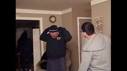 Дебел циганин учи сина си как дасе бие - Смях