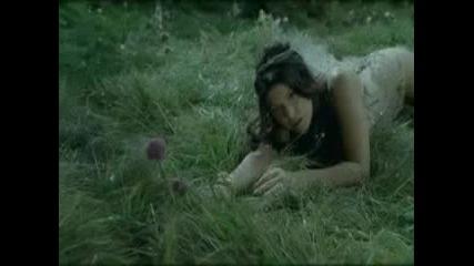 Black Eyed Peas - Meet me Halfway ( Официално видео )