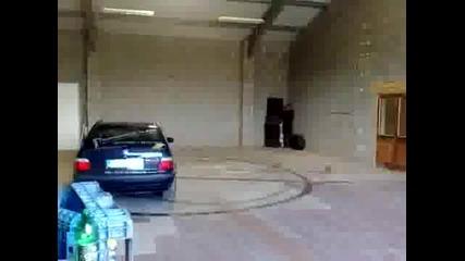 Дрифт в гаража