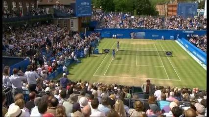 Куриоз! Спортист пребива съдия на Qeens club tennis 2012