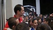 Матей Казийски раздаде автографи след 3:0 срещу Сърбия