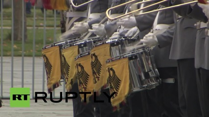 Germany: Merkel welcomes Australian PM Turnbull with full military honours