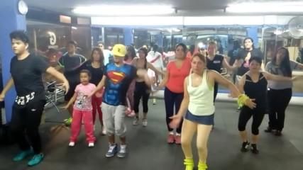 Мексико в ритъма на Зумба с песента на Андреа