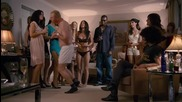 Секси сцени с Мегън Фокс от филма Как да губиш приятели и да отчуждаваш хората