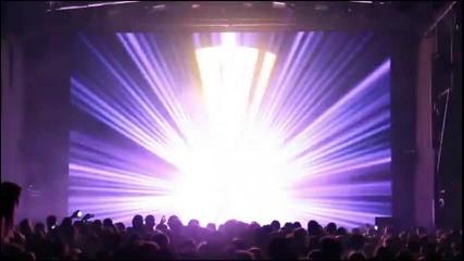 Страхотно шоу със светлинни ефекти.тоя не издържа