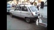 Невероятно Паркиране с Гума