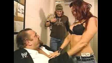 Лита Се Подмазва На Грамадата - Wwe Raw 23.01.2006