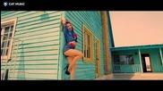 Премиера ! Liza Fox - Dynamite + Превод