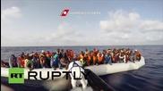 Италия: Бреговата охрана спасява стотици емигранти